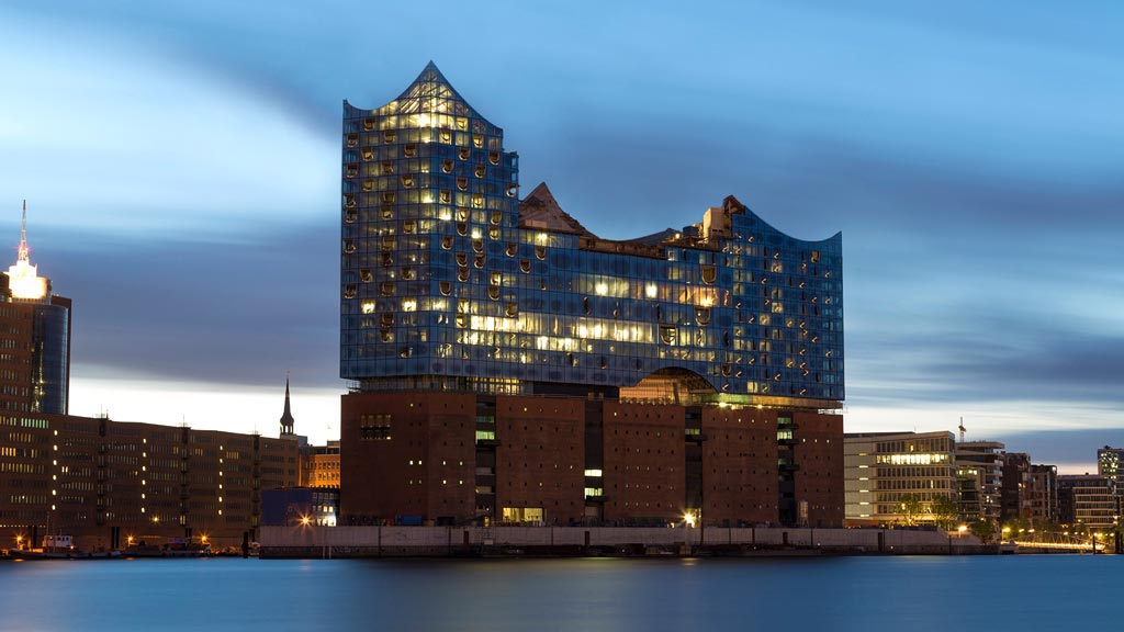 ELBE PHILHARMONIC HALL PDF